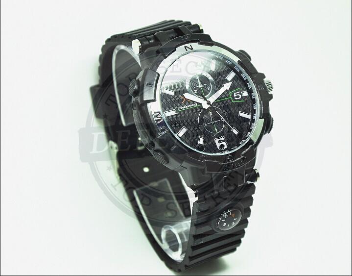 מצלמה נסתרת מוסלקת בשעון יד אלגנטי FS8