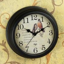 מצלמה נסתרת אלחוטית זעירה בשעון שולחני מעוצב DIP33