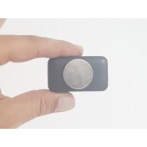 מכשיר מעקב זעיר לרכב עם אפליקציה והאזנה מרחוק F4